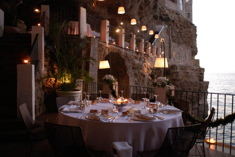Italian restaurant inside cave