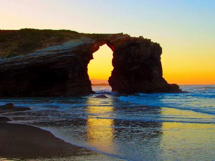 playa-de-las-Catedrales-Spain.jpg?resize