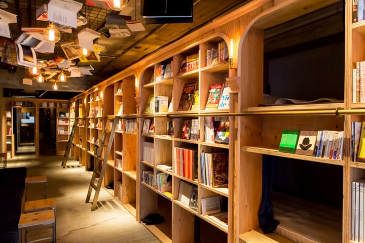 book and bed hostel, tokyo (11)