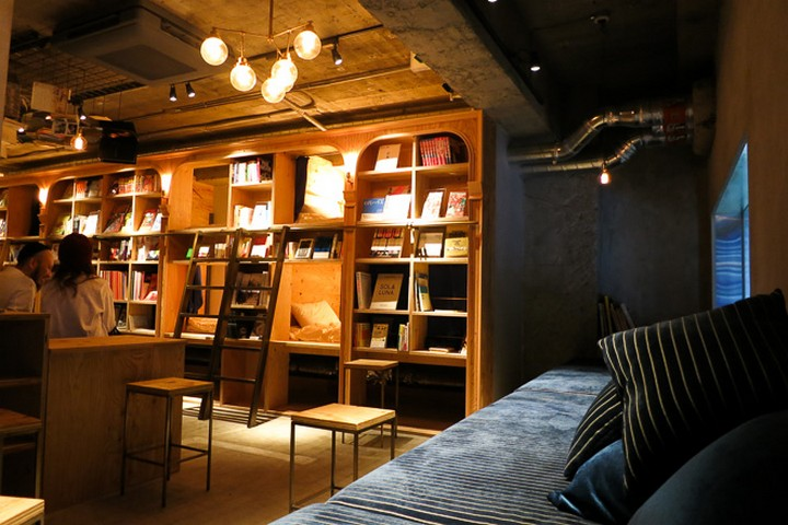 book and bed hostel, tokyo (5)