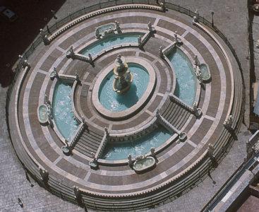Vista dall'alto della fontana della Piazza Pretoria o piazza della Vergogna a Palermo