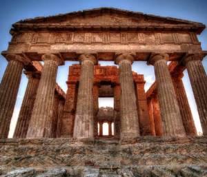 Fra i monumenti importanti di Agrigento rientra il tempio della Concordia