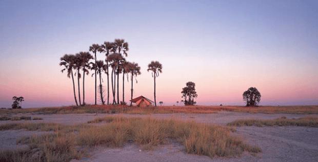 The Makgadikgadi Pans in Botswana. Image: www.rhinoafrica.com