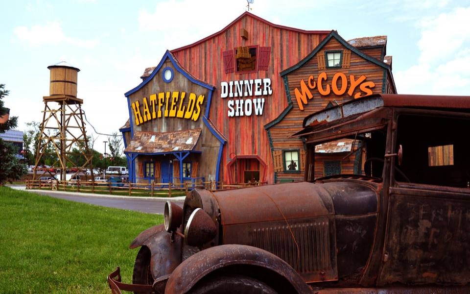https://i2.wp.com/www.tourist-destinations.net/wp-content/uploads/2015/07/pigeon-forge-attractions.jpg