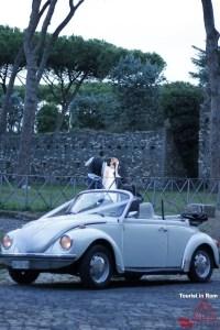 Individuelle Touren in Rom VW Käfer Hochzeitspaar Appia Antica Rom