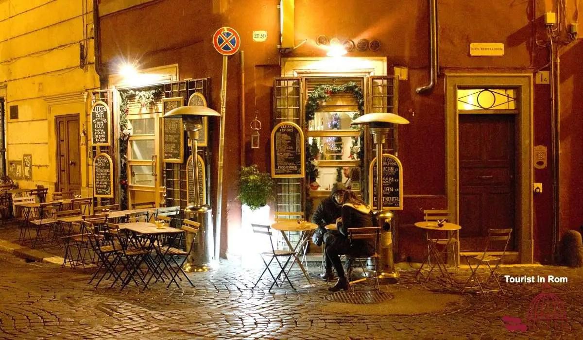 Weihnachtliches Shopping in der Via dei Coronari · Tourist in Rom