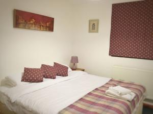 Ollie's Lodge Bedroom
