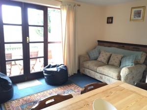Clive's Cottage Lounge