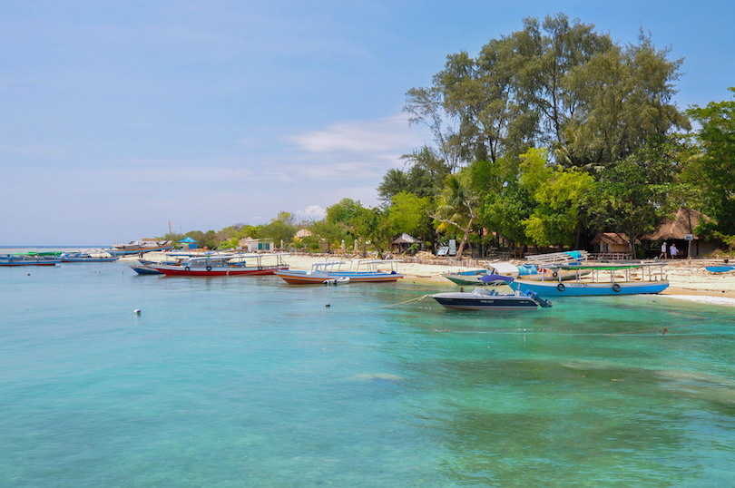 10 Most Beautiful Islands Near Bali (with Photos & Map ...