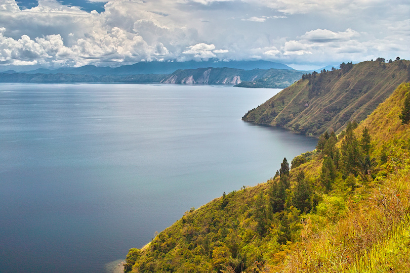 10 Top Tourist Attractions in Indonesia (with Photos & Map ...