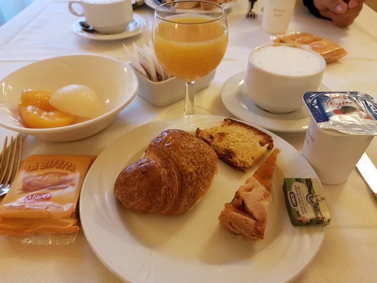 Breakfast - Palazzo Ruspoli Florence