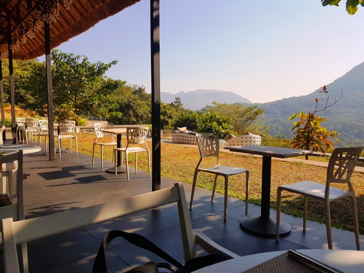 Mountain Bar & Bistro Hilton Shillim