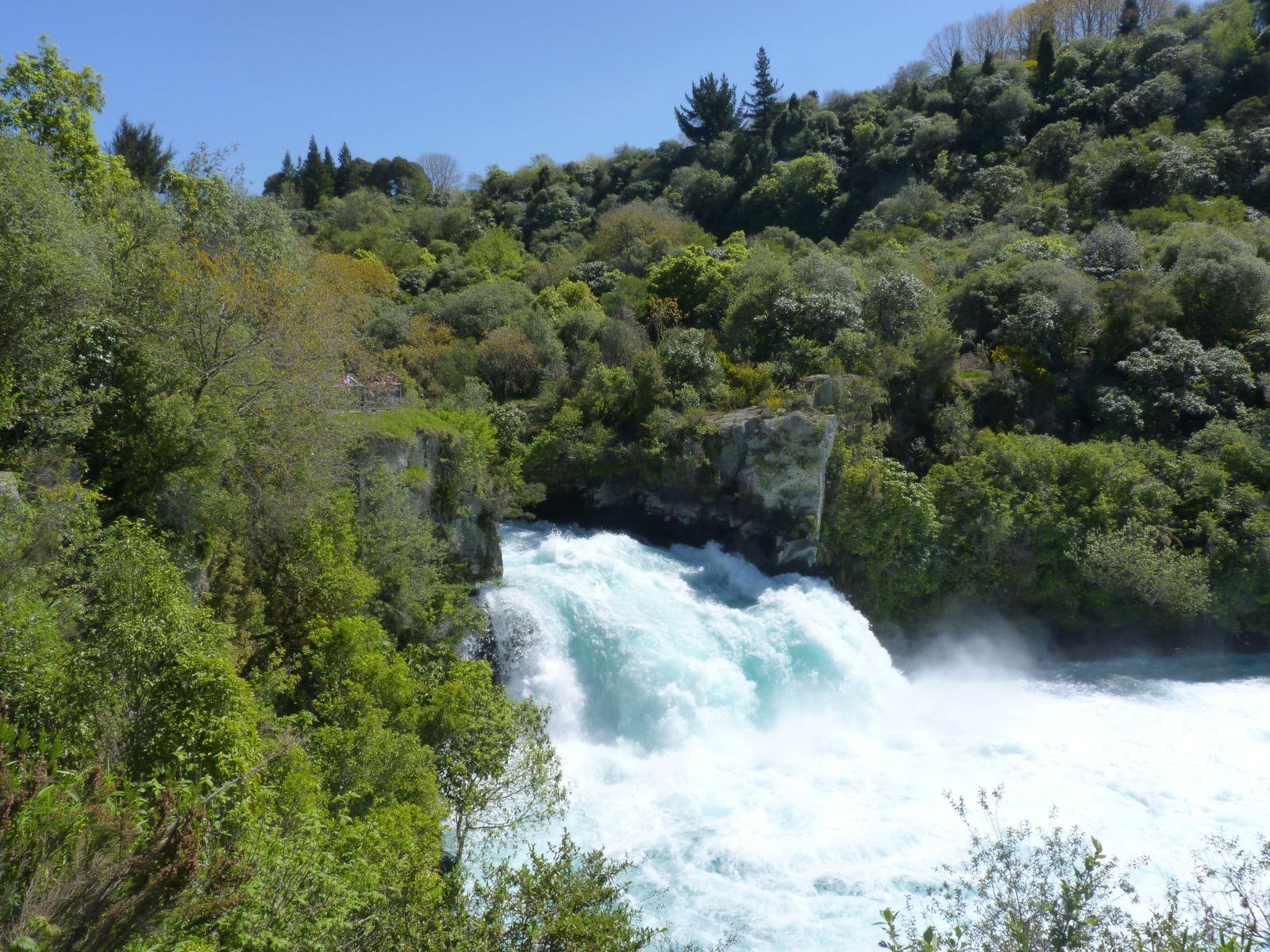 huka-falls-1