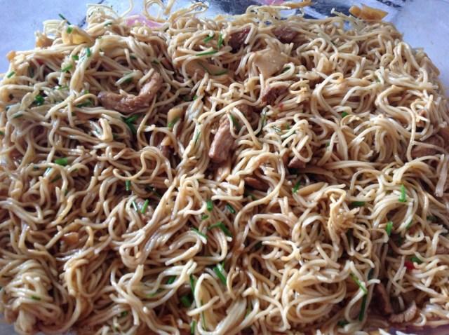 nouilles chinoises, porc et pousses de bambou bis