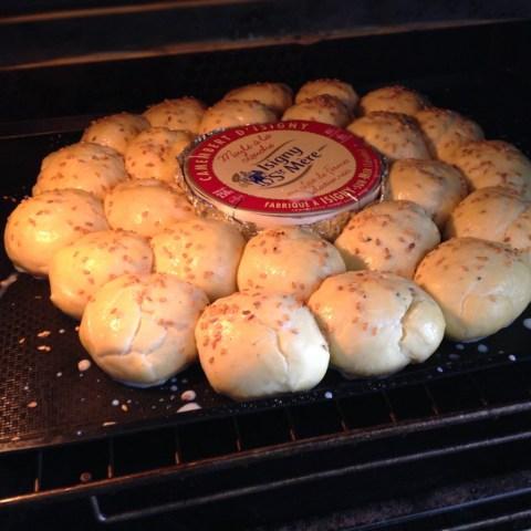 brioche-salee-au-camembert-mise-au-four