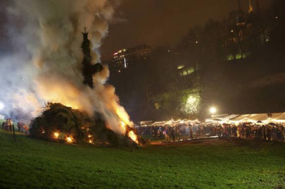 Photo of Buergbrennen, fête des brandons au Luxembourg : où y assister ?