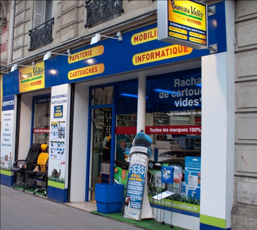 bureau vallee leader dans la distribution de fournitures de bureau et de papeterie discount annonce l ouverture de son premier magasin en plein centre de