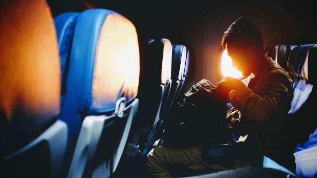 Phobie des avions, l'hypnose s'en mêle.