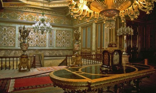 Dolmabahce-Palace6-642ee043