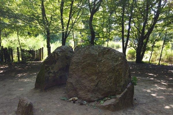 tombeau de Merlin brocéliande