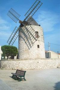moulin-a-vent-28b432aa-7321-4f19-b2b7-00daad08f0ca