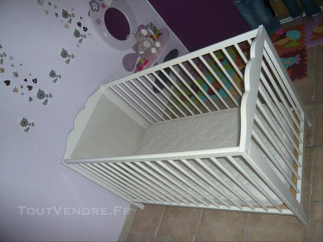 Chambre Bebe Ikea Hensvik Table A Langer Lit Matelas Les Pineaux 85320