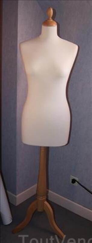 Mannequin Porte Vetement Ideal Pour Robe De Mariee Guerny 27720