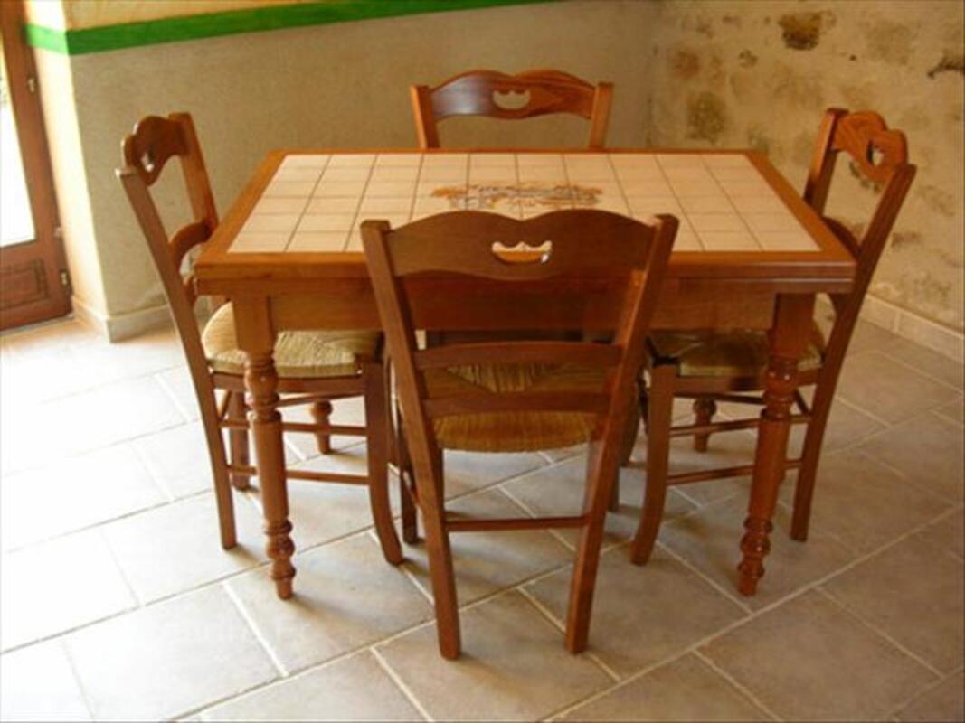 4 chaises de cuisine sainte croix aux