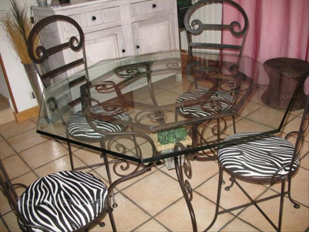 table octogonale verre et fer forge 4