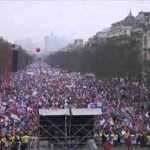 Protesters Riot with Police as Hundreds of Thousands March Against Gay Marriage in Paris: VIDEOS