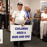 Anti-gay Protestors Gather In Opposition To Pennsylvania County's Defiance Of Gay Marriage Ban: VIDEO