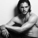 'Game of Thrones' Actor Kit Harington Hits the Gay Bar for a Fun Night Out