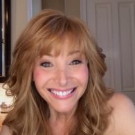 Lisa Kudrow Thinks Gay Men Are 'Superior Beings,' Praises Their Appreciation Of 'The Comeback'