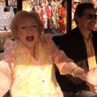 Betty White Gets a 93rd Birthday Flash Mob: VIDEO