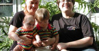 Lesbian_family