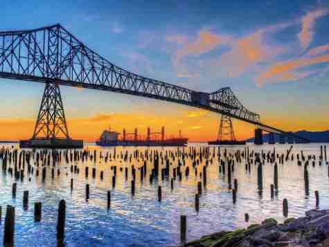 A bridge in Portland, Oregon, ManAboutWorld gay travel magazine