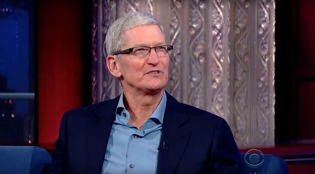 Tim Cook talks about coming out