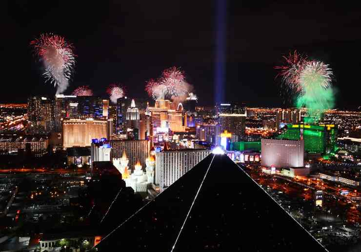 Fireworks by Grucci burst of the Las Vegas Strip duriing America's Party 2015