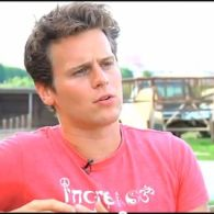 Jonathan Groff Bags Starring Role in Netflix Serial Killer Project 'Mindhunter': VIDEO