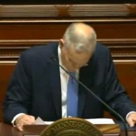 MN Governor Mark Dayton Collapses During 'State of the State' Speech: VIDEO