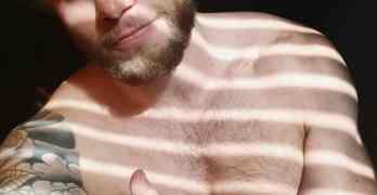 gus kenworthy naked