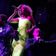 Jomama Jones Is a Spiritual Mother for the Moment in 'Black Light' at Joe's Pub: REVIEW