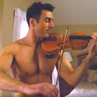 The Shirtless Violinist Serenades His Missing Boyfriend with Ed Sheeran's 'Perfect' – WATCH