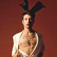 Ezra Miller's Polyamorous Sex Life Revolves Around a Group of 'Queer Beings' Known as His 'Polycule'