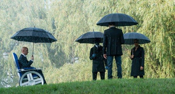 周末电影评论:'黑暗凤凰' -  Towleroad -darkphoenix-funeral