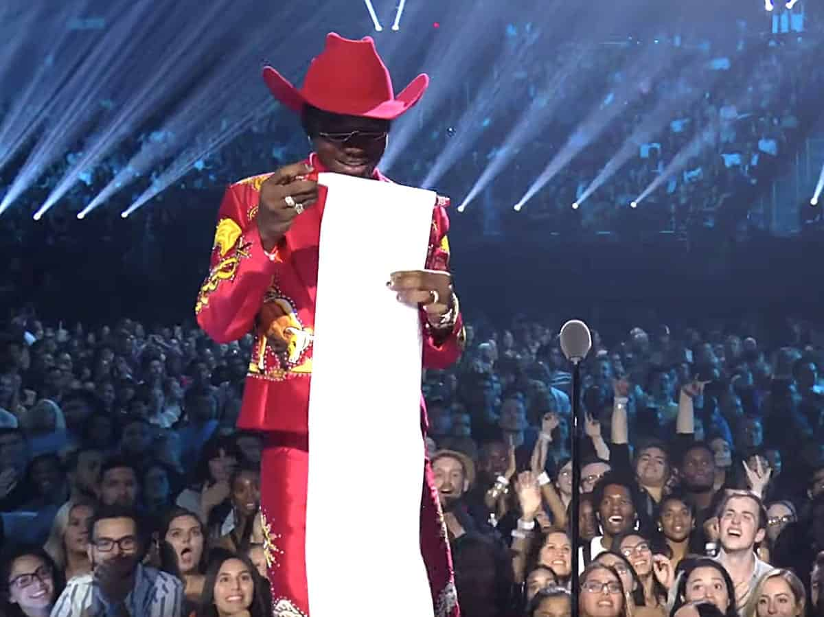 Lil Nas X Takes 'Panini' to the VMAs Stage