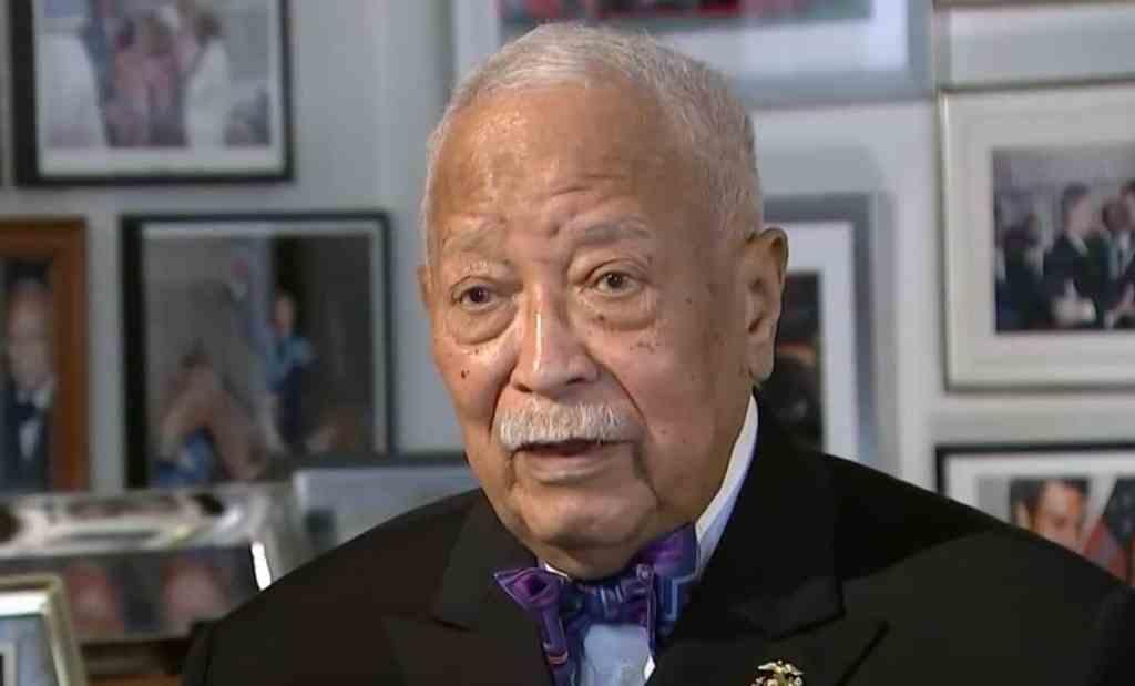 kvzswdisssuemm https www towleroad com 2020 11 nycs first black mayor david dinkins