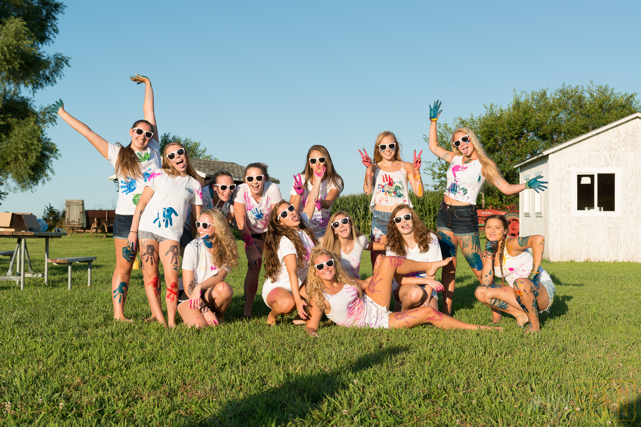 ivyseen-senior-pictures-iowa-city-paint-war-106
