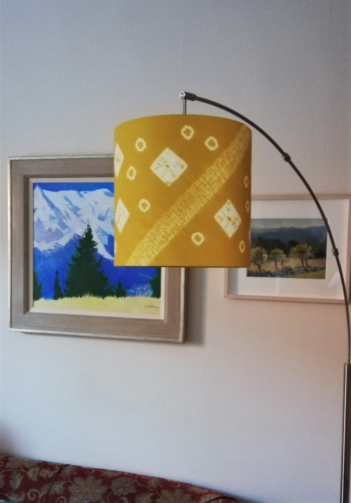 Gold hanging 30 x 30 cm lampshade