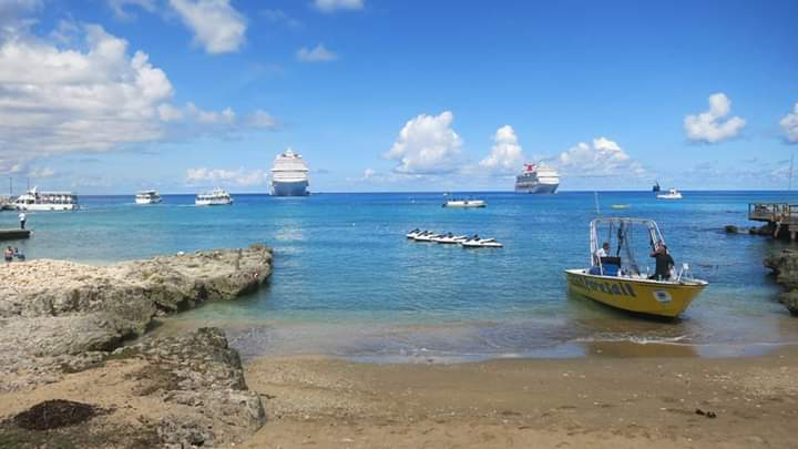 GRAND CAYMAN ISLAND BEACHES